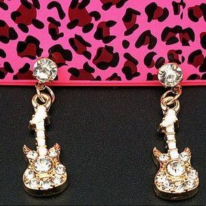 NWT•Betsey Crystal Guitar dangle post earrings